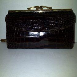 Classic-finish-clutch-purse